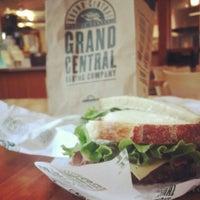 2/14/2014 tarihinde Dot D.ziyaretçi tarafından Grand Central Baking Company'de çekilen fotoğraf