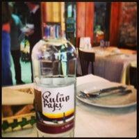 3/17/2013 tarihinde Gülsün B.ziyaretçi tarafından Benusen Restaurant'de çekilen fotoğraf