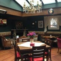 3/16/2013 tarihinde Gülsün B.ziyaretçi tarafından Cafe Rea'de çekilen fotoğraf