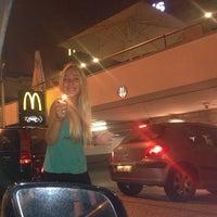 Foto tomada en McDonald's por Estela M. el 7/19/2013