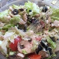 Photo taken at Giardino Gourmet Salads by GiGi D. on 9/30/2014