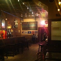 Das Foto wurde bei Pi Bar von Calicross Bicycle C. am 11/8/2012 aufgenommen
