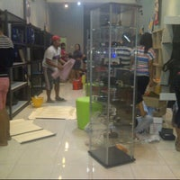 Photo taken at D'Luuk Boutique by Jeng K. on 9/27/2013
