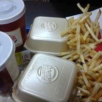 4/23/2013 tarihinde Ceren Ö.ziyaretçi tarafından Burger King'de çekilen fotoğraf