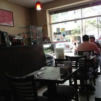 Foto tirada no(a) Restaurante La Friulana por Nando J. em 4/9/2013