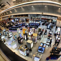 Photo taken at Doha International Airport (DOH) مطار الدوحة الدولي by Nikita H. on 6/18/2013