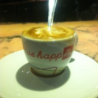 Photo taken at L'Esspreso Illy by Laura B. on 1/16/2013