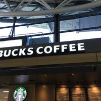 Photo taken at Starbucks Coffee 関西国際空港エアサイド店 by Cherry B. on 1/7/2017