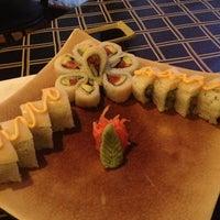 Photo prise au Akashi Japanese Grill & Sushi Bar par Jeni D. le2/26/2013