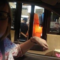Photo taken at Taco Bell by ClydeHyde on 6/1/2014