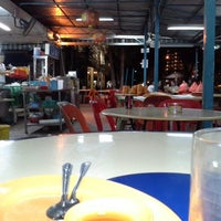 Photo taken at Lee Heng Restaurant by Ivan H. on 5/12/2013