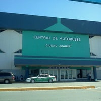 Photo taken at Central de Autobuses by Drago A. on 3/31/2013