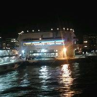 11/25/2012 tarihinde Göktuğ E.ziyaretçi tarafından Karşıyaka Vapur İskelesi'de çekilen fotoğraf