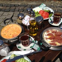 Photo prise au Çınaraltı Cafe par Marta K. le5/18/2013