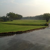 Photo taken at Thana City Golf & Sports Club by Pornthip A. on 1/31/2013