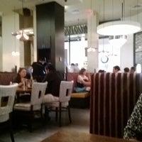 Photo taken at Balans Restaurant & Bar, Dadeland by albalidia r. on 3/29/2014
