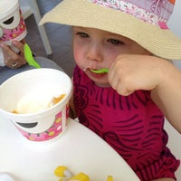 Photo taken at Sweet Frog Frozen Yogurt by Jenny P. on 6/1/2013