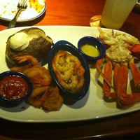 Photo taken at Red Lobster by Lulu C. on 11/26/2012
