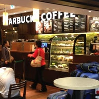 Photo taken at Starbucks by BACKY ば. on 1/6/2013
