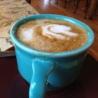 รูปภาพถ่ายที่ Queen City Creamery โดย Andrew C. เมื่อ 10/27/2012