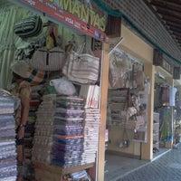 Foto tirada no(a) Feirinha de Artesanato de Tambaú por Thur G. em 1/3/2013