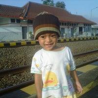 Photo taken at Stasiun Patukan by Heriyanto R. on 1/28/2014