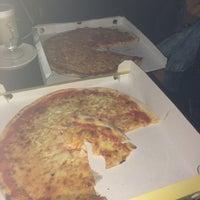 Photo taken at Meta Pizzeria by Kubra G. on 8/23/2014