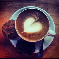 Photo taken at Madal Cafe - Espresso & Brew Bar by Regina B. on 7/23/2013