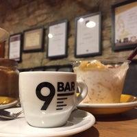 Photo prise au 9 Bar Coffee par Regina B. le11/21/2017