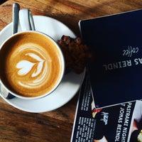 Das Foto wurde bei Café Jonas Reindl von Regina B. am 3/5/2016 aufgenommen