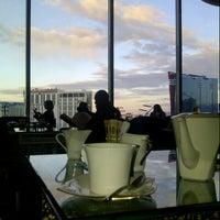Photo taken at Mandarin Oriental, Las Vegas by simon r. on 12/27/2012