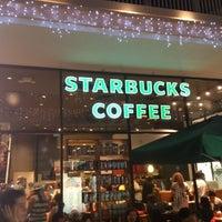 Foto diambil di Starbucks oleh 라울 라. pada 12/26/2012