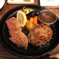 Photo taken at STEAK/HAMBURG ひげ by gomacyan55 on 8/9/2017