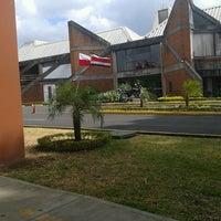 Foto tomada en Colegio de Abogados por Kenneth Z. el 2/22/2013