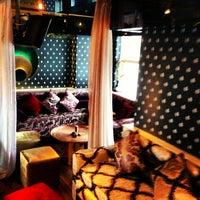3/21/2013 tarihinde Elcin A.ziyaretçi tarafından Al Fakheer Shisha Lounge'de çekilen fotoğraf