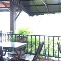 Photo taken at Inrawadee Resort Pattaya by Dmitry S. on 11/6/2012