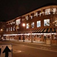 Foto tirada no(a) Delancey Street Restaurant por Tom M. em 12/29/2012