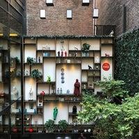 Снимок сделан в citizenM Hotel New York Times Square пользователем Avneesh K. 7/20/2018