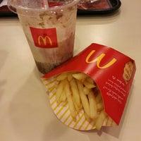Photo taken at McDonald's / McCafé by Muhd H. on 4/18/2013
