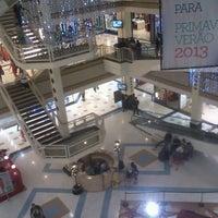 Foto tirada no(a) Mega Polo Moda por Bruno B. em 11/8/2012