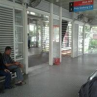 Photo taken at Halte TransJakarta Monumen Nasional by Hidayat A. D. on 12/3/2012