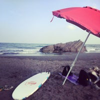 Photo taken at 烏石港衝浪海灘 Wushigang Surf Beach by Duncan C. on 8/18/2013