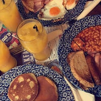 Photo taken at The Berkeley (Wetherspoon) by Gülfem İ. on 12/15/2016