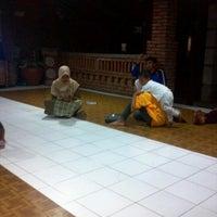 Photo taken at Ayam Panggang Banjarejo by gaplo b. on 11/11/2012