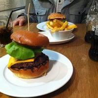Photo prise au Gourmet Burger Kitchen (Trafford Centre) par Abdulrahman A. le1/26/2013