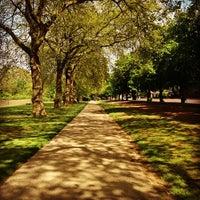Foto tirada no(a) Hyde Park por Abdulrahman A. em 6/1/2013