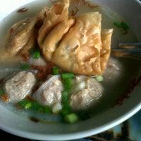 Photo taken at Bakso Langgeng by Alloysiuz W. on 12/30/2012