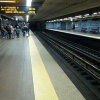 Photo taken at Metro Colégio Militar / Luz [AZ] by ミ★ яєиαŧα ρ. on 3/23/2013