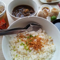 Photo taken at Jonas Pares by Ivy T. on 8/23/2013