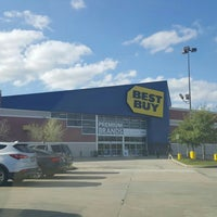 Photo taken at Best Buy by Corey on 3/22/2016